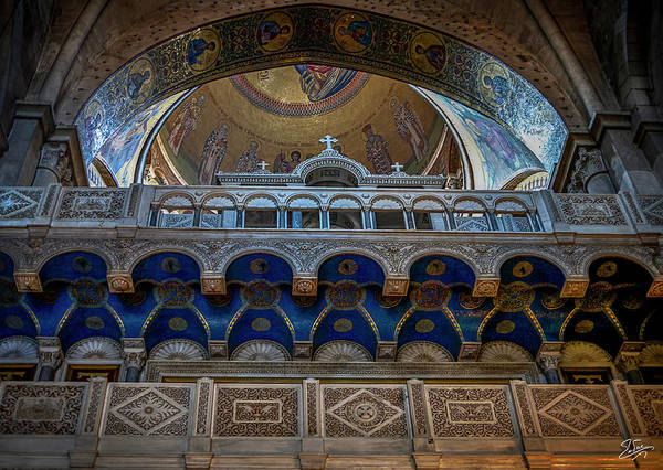 Church Of The Holy Sepulcher Photograph - Looking Up Into The Dome by Endre Balogh
