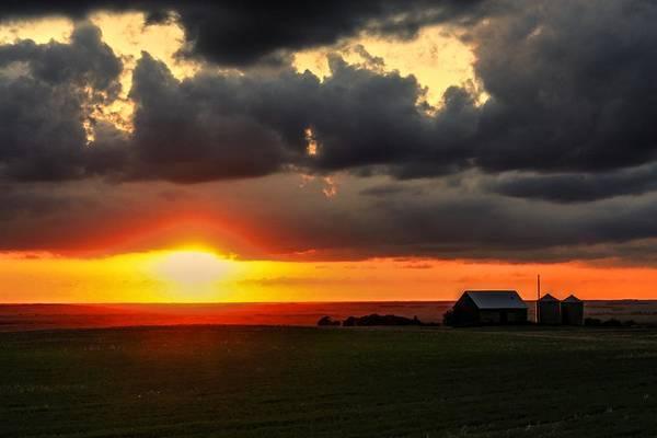 Photograph - Looking West Sunset by David Matthews