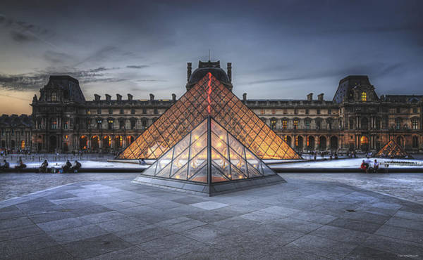 Photograph - Louvre At Dusk by Ryan Wyckoff
