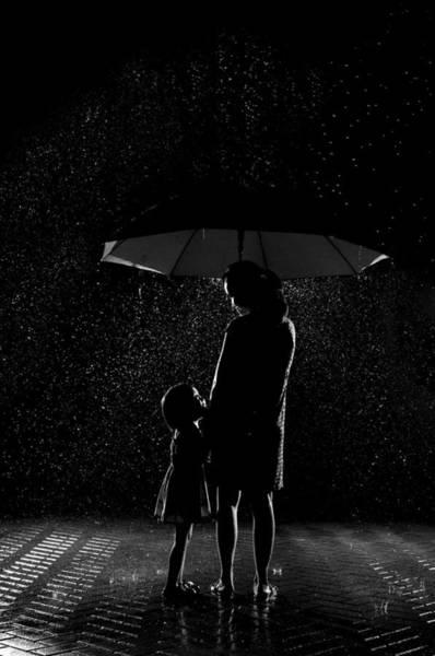 Reno Wall Art - Photograph - Love In The Rain by Alfonso Reno