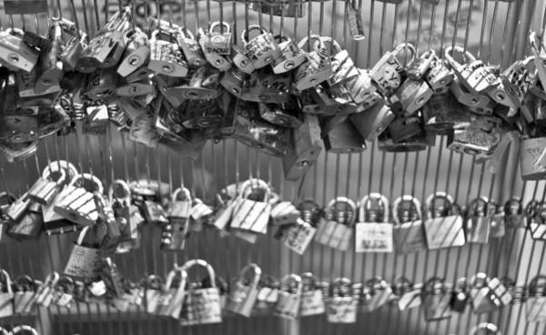 Arte Photograph - Love Padlocks On The Bridge by Georgia Fowler