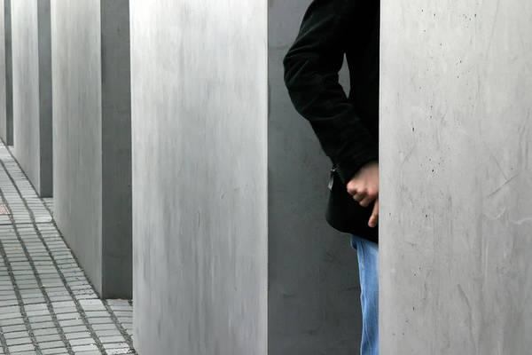 Photograph - Lovers In Berlin by KG Thienemann
