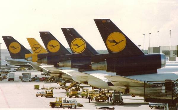 Photograph - Lufthansa Dc-10s At Frankfurt by Jamie Baldwin