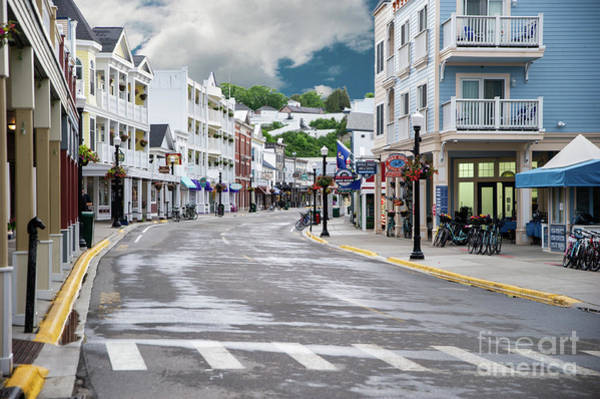 Photograph - Mackinac Island Street View by Ed Taylor