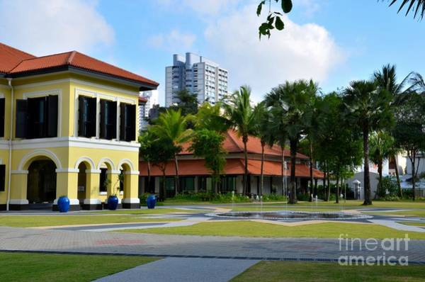 Photograph - Malay Heritage Centre And Fountain Istana Kampong Glam Singapore by Imran Ahmed
