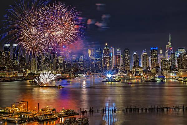 Photograph - Manhattan Nyc Summer Fireworks by Susan Candelario