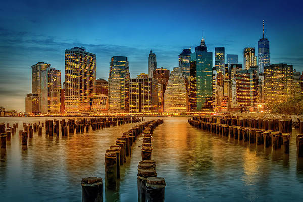 Wall Art - Photograph - Manhattan Skyline Evening Atmosphere by Melanie Viola