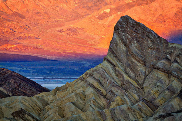 Photograph - Manly Beacon At Sunrise - Death Valley by Stuart Litoff