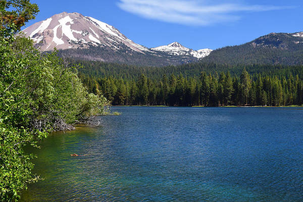 Photograph - Manzanita Lake At Mount Lassen. by Frank Wilson