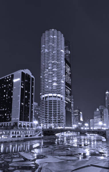 Marina Photograph - Marina City On The Chicago River In B And W by Steve Gadomski