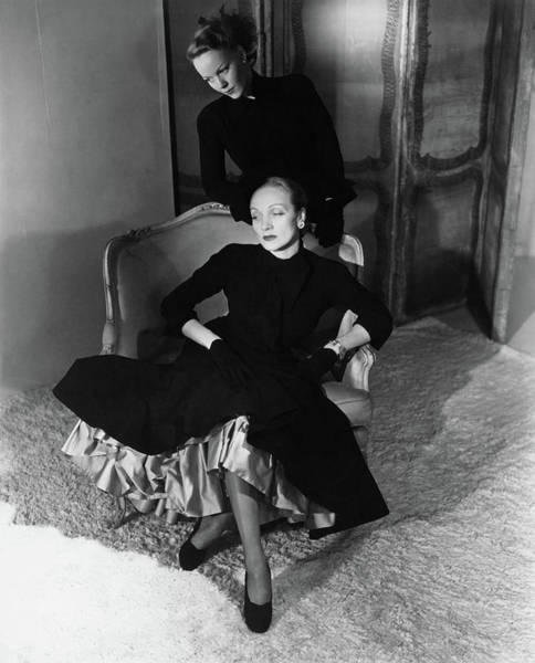 Wall Art - Photograph - Marlene Dietrich And Her Daughter Maria Riva by Horst P Horst