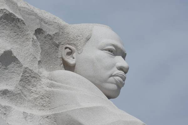 Photograph - Martin Luther King Memorial by Buddy Scott