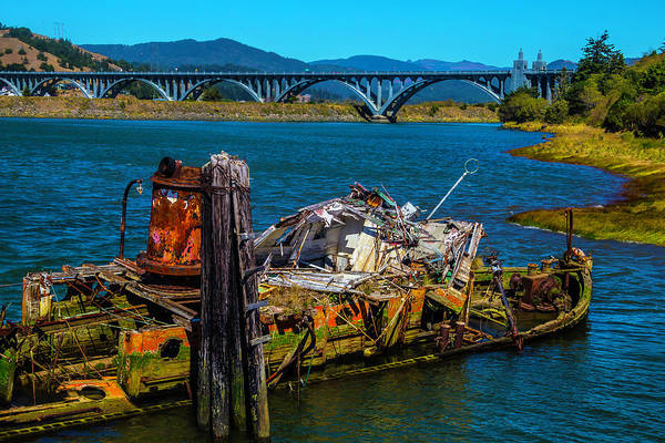 Rogue River Wall Art - Photograph - Mary D Hume Ship Wreck by Garry Gay