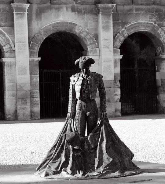 Matador Photograph - Matador Statue 1b by Andrew Fare