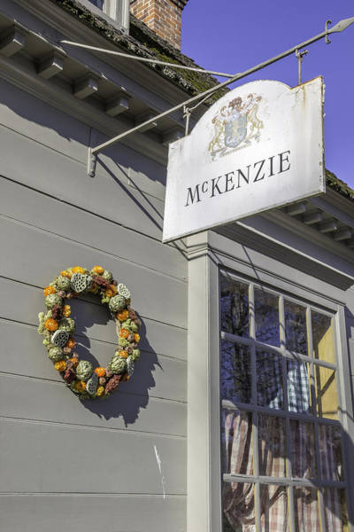 Colonial Williamsburg Photograph - Mckenzie Apothecary Christmas 2014 by Teresa Mucha