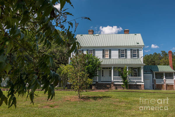 Photograph - Mcleod House by Dale Powell