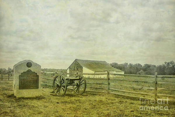 Us Civil War Digital Art - Mcpherson Barn And Cannon Gettysburg  by Randy Steele