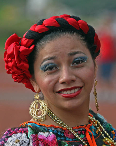 Photograph - Mexican Lady by Larry Linton