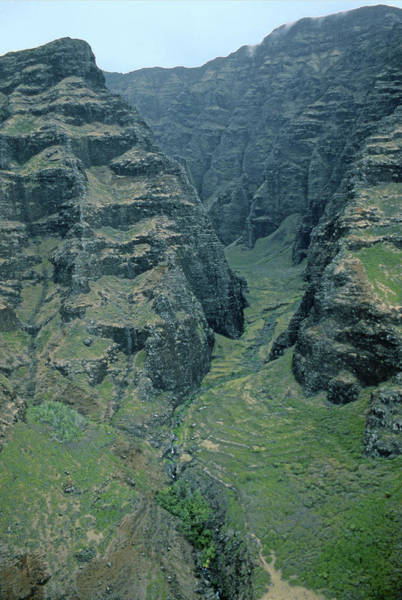 Photograph - Mi-339 Nuololo Valley Hawaii by Ed Cooper Photography