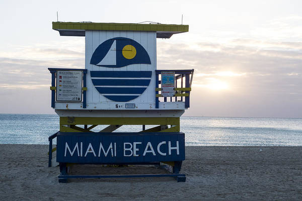 Photograph - Miami Beach Life Guard House Sunrise by Toby McGuire