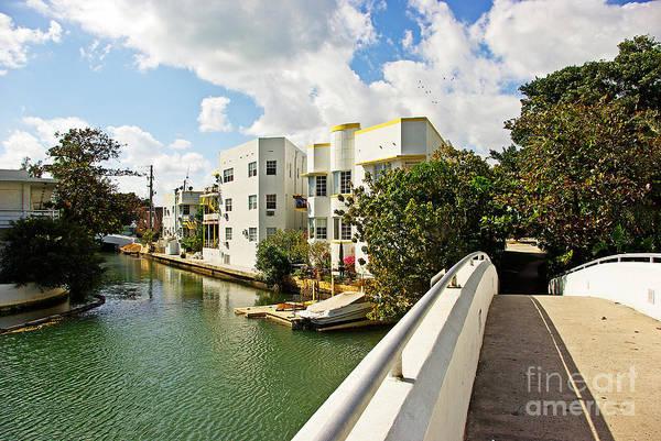 Building Wall Art - Photograph - Miami Beach by Zal Latzkovich