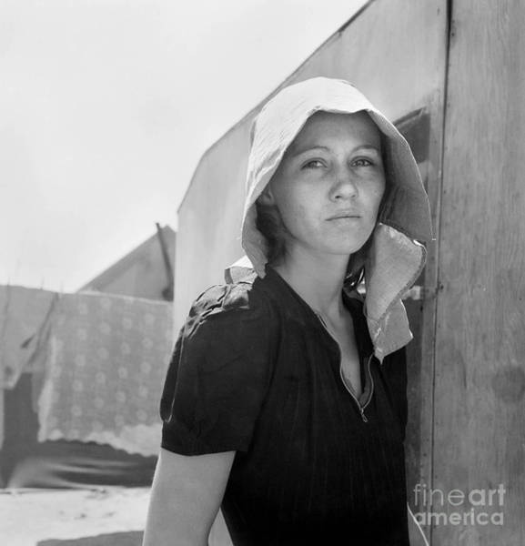 Photograph - Migrant Mother, 1940.  by Granger