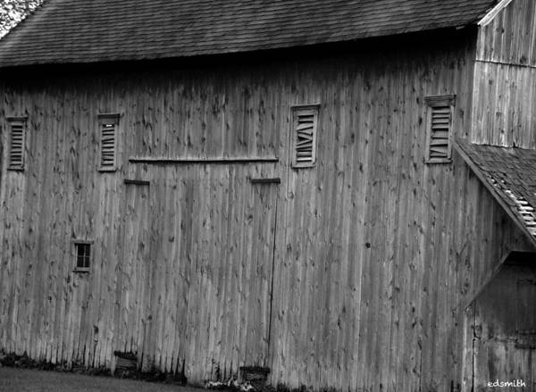 Photograph - Millburn Barn by Edward Smith