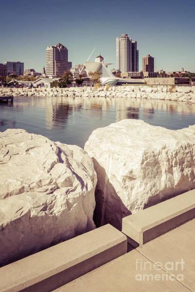 Milwaukee Art Museum Photograph - Milwaukee Skyline Retro Picture by Paul Velgos