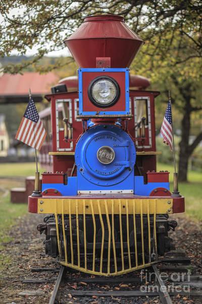 Photograph - Mini Fun Train Quechee Vermont by Edward Fielding