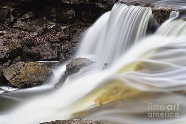 Photograph - Minneopa Falls Closeup by Larry Ricker