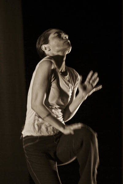 Photograph - Modern Dance 12 by Catherine Sobredo