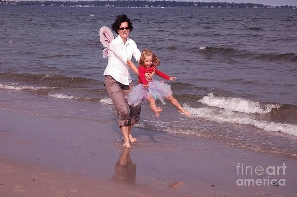 Wall Art - Photograph - Mom And Daughter by Aneta  Berghane