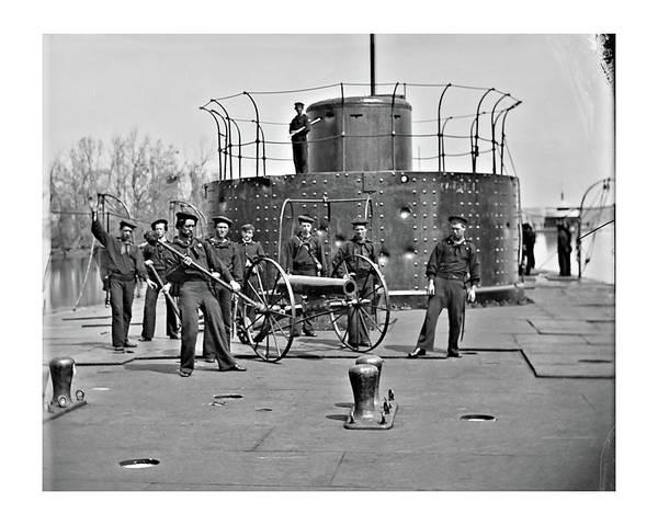 Photograph - Monitor Deck 1 by John Feiser