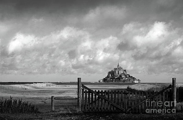 Wall Art - Photograph - Mont Saint-michel Bw by RicardMN Photography