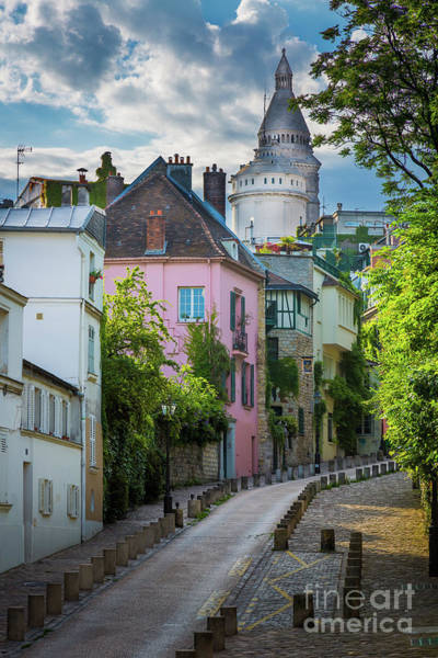 Europa Wall Art - Photograph - Montmartre Hill by Inge Johnsson