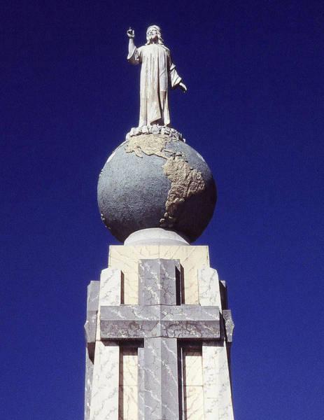 El Salvador Photograph - Monumento Al Divino Salvador Del Mundo by Juergen Weiss