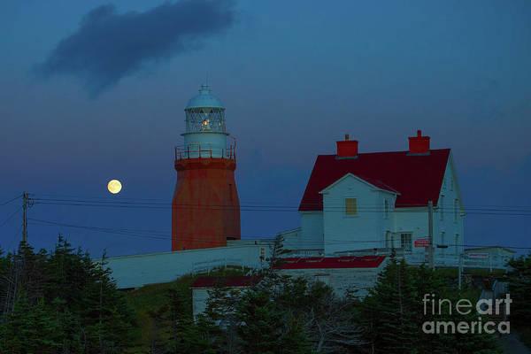 Photograph - Moon Over Twillingate Lighthouse by Les Palenik