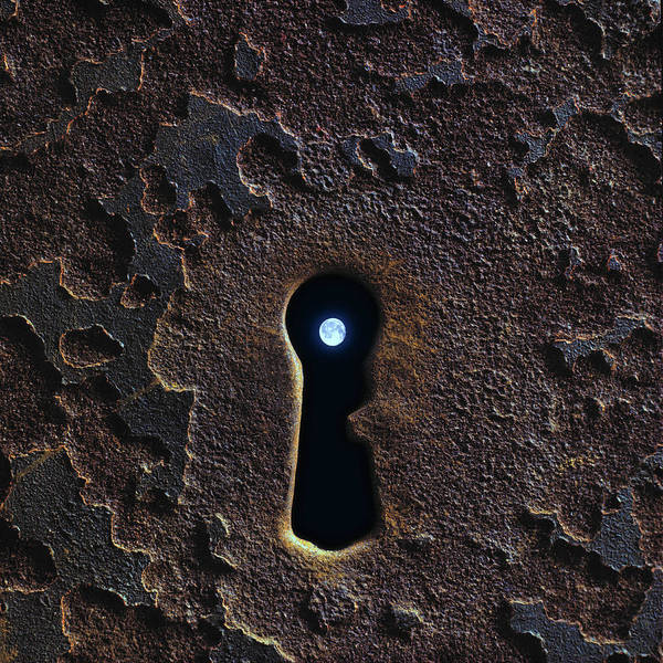 Furon Photograph - Moon In The Keyhole by Daniel Furon
