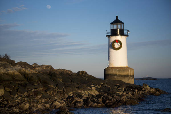 Pickering Photograph - Moonrise Over Fort Pickering Lighthouse Salem Ma Winter Island Wreath by Toby McGuire