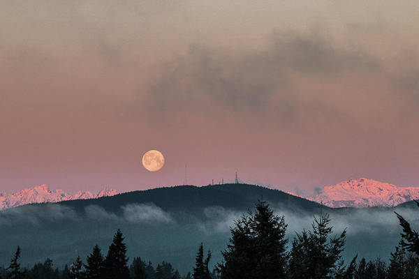 Photograph - Moonset At Dawn by E Faithe Lester