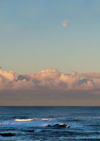 Carmel By The Sea Photograph - Moonset Over The Pacific by Alan Toepfer