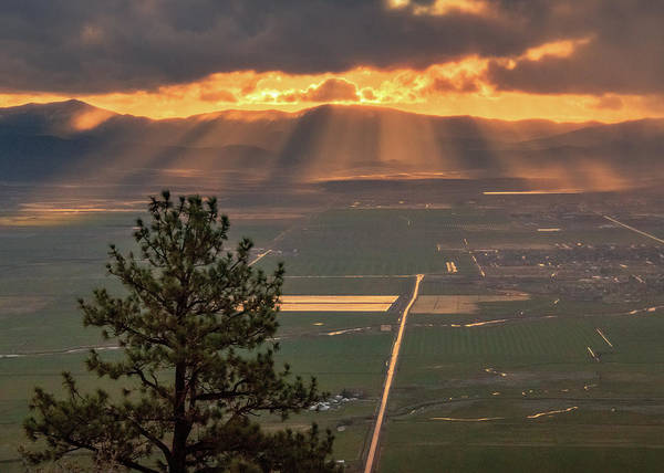 Lightroom Photograph - Morning Angel Lights Over The Valley by Mike Herron