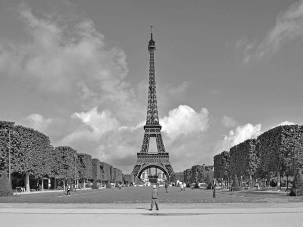 Photograph - Morning At The Eiffel Tower by Digital Photographic Arts