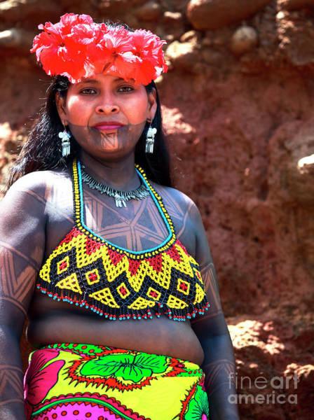 Indio Photograph - Mujer Embera Panama by John Rizzuto