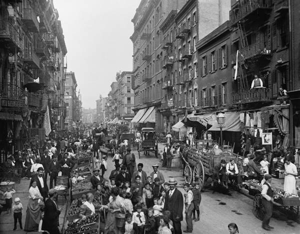 Italian Immigrants Wall Art - Photograph - Mulberry Street In New York Citys by Everett