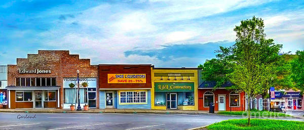 Town Square Mixed Media - Murfreesboro Town View Summer by Garland Johnson