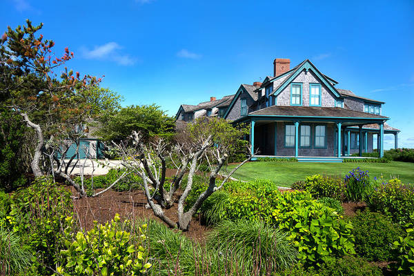 Photograph - Nantucket Architecture Series 08 Y1 by Carlos Diaz