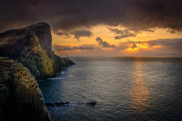 Photograph - Neist Point Lighthouse Isle Of Skye by Peter OReilly