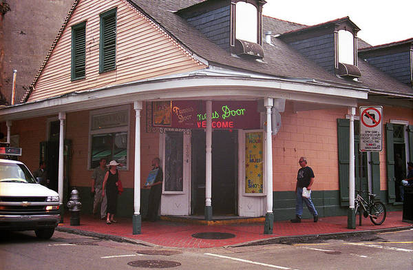 Photograph - New Orleans Bourbon Street 36 by Frank Romeo