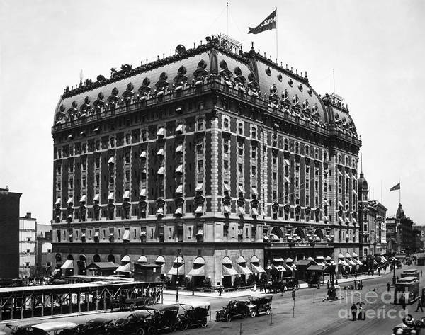 Photograph - New York: Astor Hotel by Granger